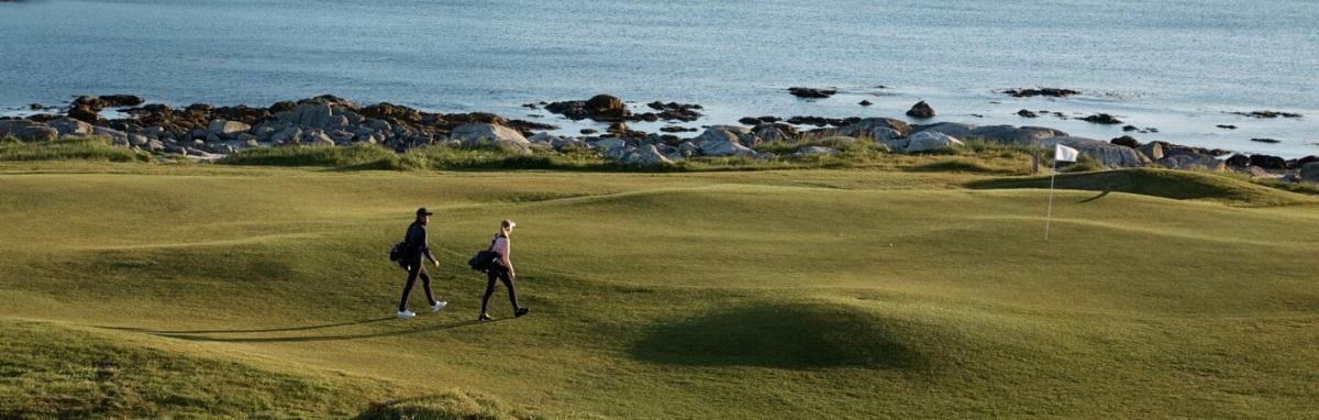 Det är BUSINESS AS USUAL när du handlar hos oss på Golf Fashion Online.