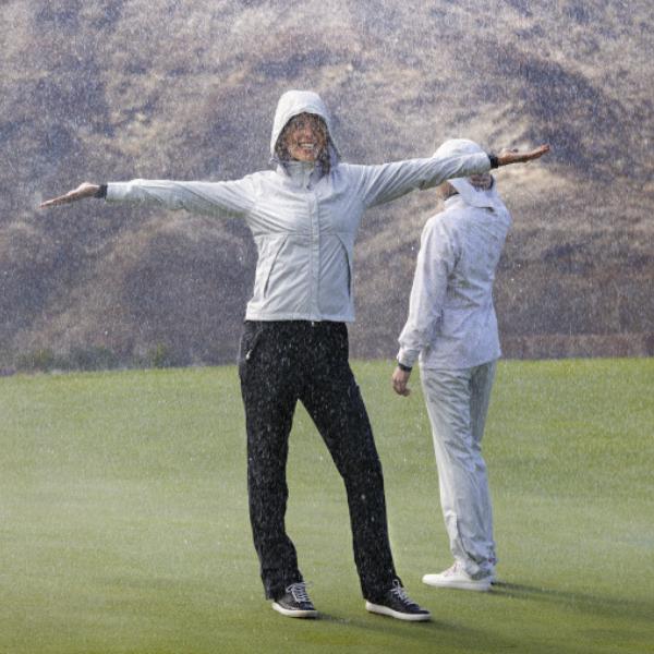 3434934a2979 Golfkläder och golfskor för damer